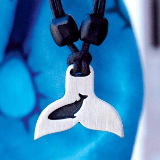 Metal Ice whaletail pendant