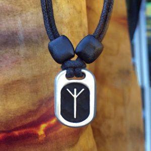 algiz pendant
